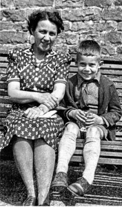1941-DVNKingandRobinage5DovedaleSummer