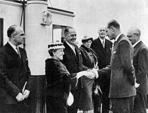 1958-MrandMrsKingpresentedtoDukeofEdinburgh20MayShoreham